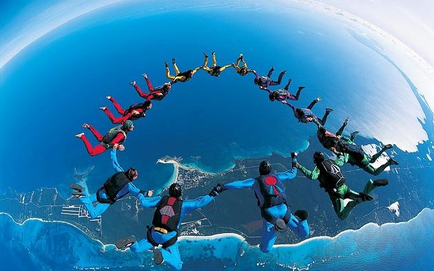 مشاركة مغربية في البطولة الدولية للقفز بالمظلات العسكرية