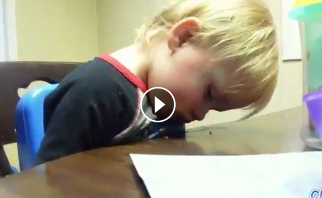 أطفال يقاومون النوم ، مقطع رهيب