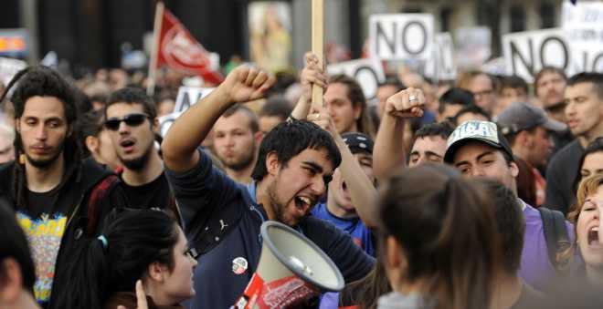 لا يصدق.. هذه الدولة الأوروبية ستفرض ضريبة على العاطلين عن العمل !!