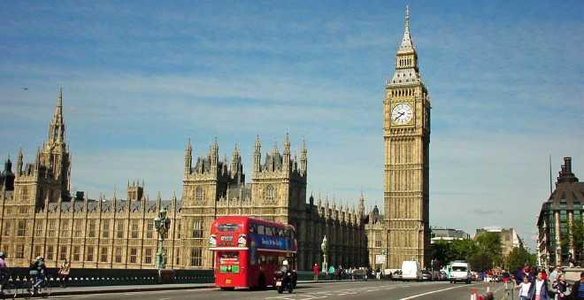 بريطانيا تطلق مفاوضات الخروج من الاتحاد الأوروبي اليوم