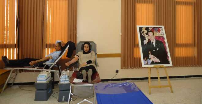 موظفون من 49 جماعة بتاونات يتبرعون بالدم لفائدة المرضى