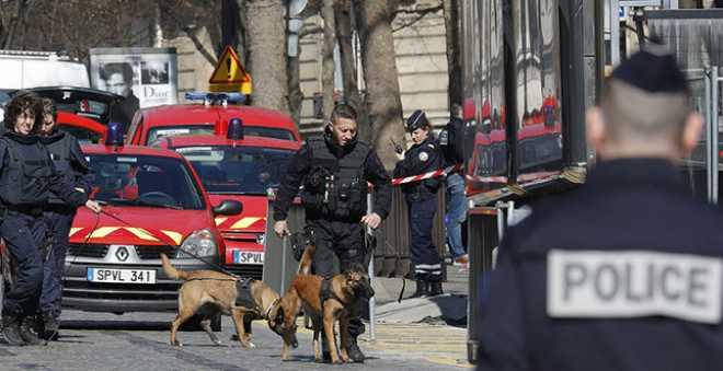 توقيف مشتبه به ثان في إطار التحقيق حول إطلاق النار في ثانوية بفرنسا
