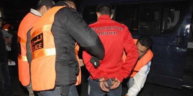 الحجارة والفوضى تقودان شخصين للاعتقال بالبيضاء