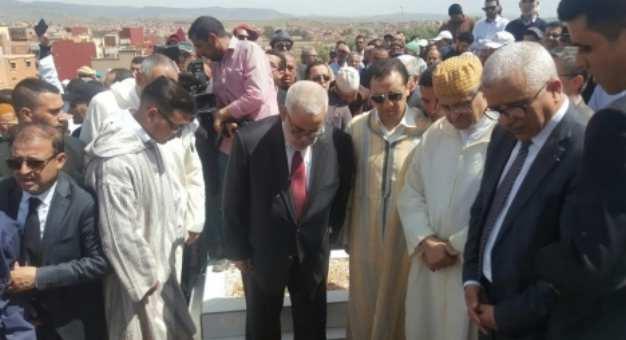 دفن جثمان  زوج القيادية الحركية حليمة عسالي..وبنكيران في مقدمة المعزين