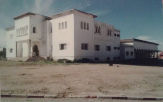 شباب مدينة وزان يشكو الفراغ بسبب توقف أشغال بناء المركب الثقافي الوحيد