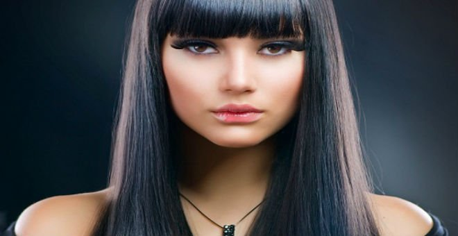 تعرفي على الزيت الذي سيمنح شعرك اللون الأسود اللامع