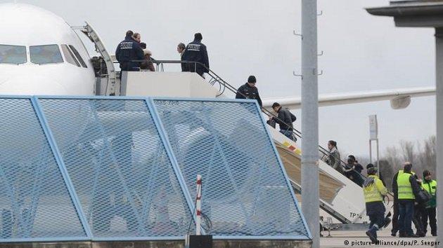 مغاربة غير مرغوب فيهم على متن طائرات ألمانية