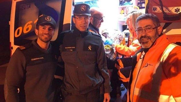 مغربية تضع مولودها بباب سبتة بمساعدة الحرس المدني الإسباني