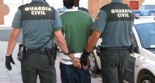 """إسبانيا تعتقل مغربيين بتهمة """"إرغام"""" ابنتهما على اتباع الإسلام"""