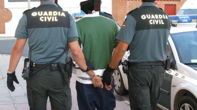 إسبانيا تعتقل زوجين مغربيين بتهمة