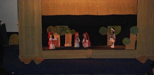 مسرح الطفل بمرتيل يحتفي بعيد ميلاد الأمير مولاي الحسن