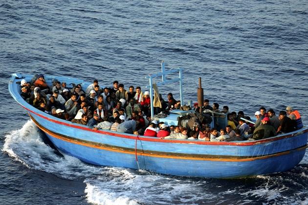 إنقاذ 17 مغربي من الغرق في مضيق جبل طارق