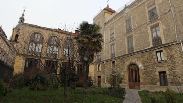 مطالبة بلدية طنجة بترميم قصر الدوق دو طوفار بإسبانيا
