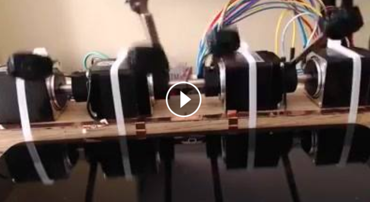 صَنع #روبوت ليلعب بدلا عنه و يحطم الرقم القياسي في لعبة Piano Tiles 2