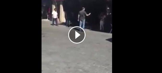 قط مغربي يعتدي على كانيش أجنبي و يحاول تشويه السياحة ببلادنا