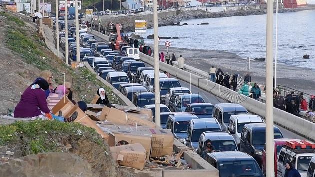 منع سيارات مغربية من دخول سبتة
