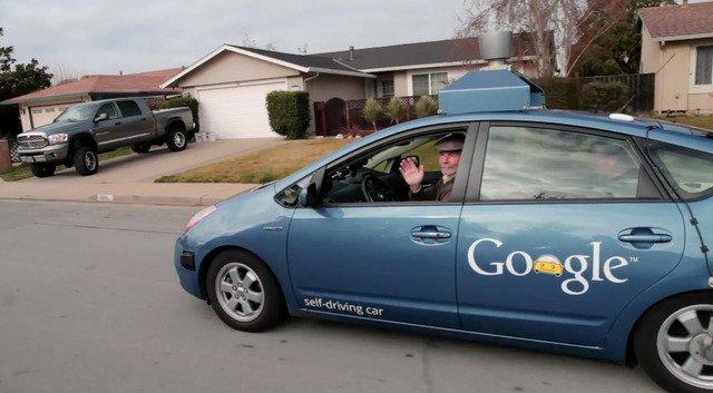 اقبال منقطع النظير على تجربة سيارات غوغل الذاتية القيادة