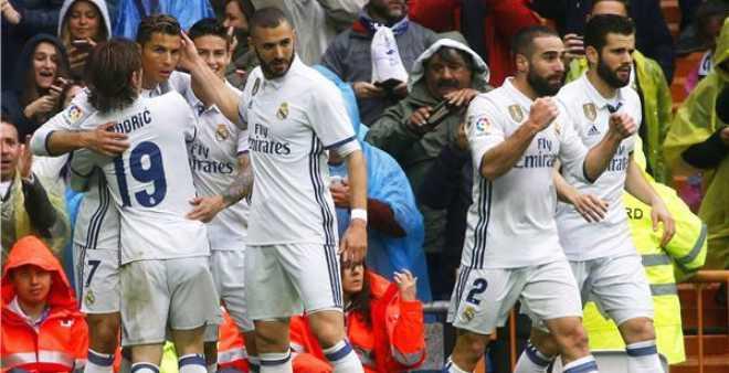 ريال مدريد يعتلي صدارة الليغا مؤقتا بعد فوز دراماتيكي على فالينسيا