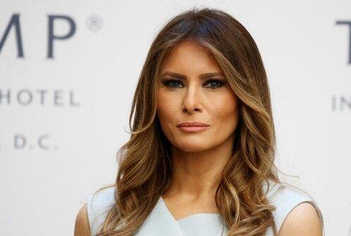 زوجة ترامب تخلق الحدث بتغيير ملابسها قبل الوصول للسعودية