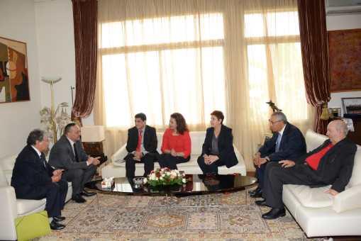 وزير الثقافة والاتصال يعقد اجتماعا مع اتحاد كتاب المغرب