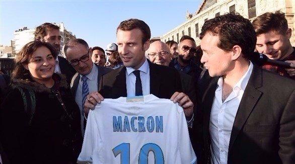 ماكرون من كرة القدم هواة إلى قصر الإليزيه