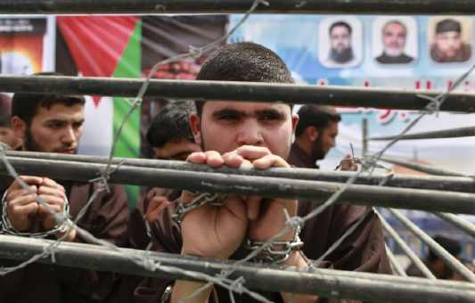 اتحاد كتاب المغرب يستنكر ضروب القهر والحصار المسلطين على الأسرى الفلسطينيين