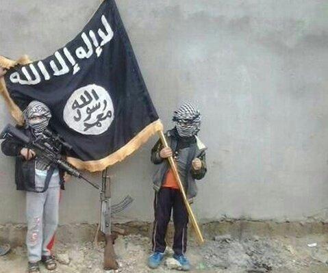 الداخلية تكشف أرقاما صادمة عن نساء وأطفال ''داعش'' المغاربة