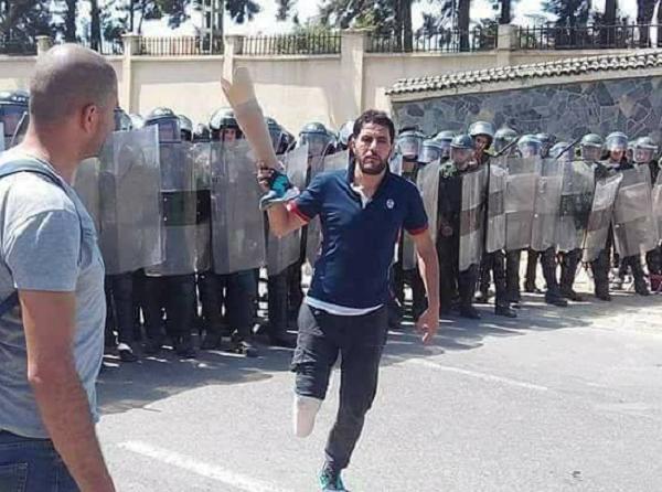 الأمن الجزائري يرد على احتجاج متقاعدي ومصابي الجيش بالغاز والهراوات