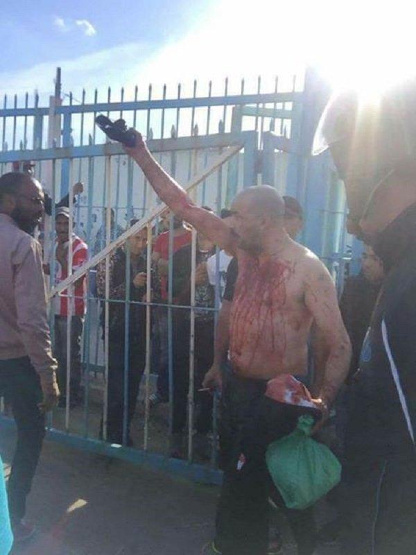 مغربي يذبح نفسه بباب سبتة بعد منعه من دخول المدينة