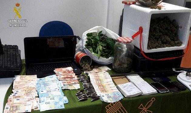إسبانيا.. توقيف مغربيتين ضمن شبكة دولية للإتجار في المخدرات