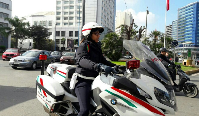 وزير يقر بارتكابه مخالفة وتغريمه من طرف شرطيتين
