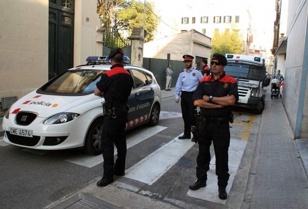 الشرطة الإسبانية تتدخل لمنع زواج مغربي وهذا هو السبب..