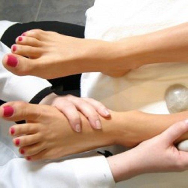 اتبعي هذه الخطوات للحصول على ساقين لامعتين