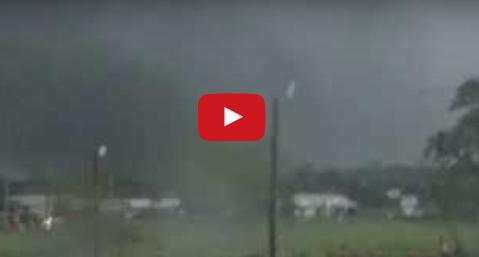 إعصار ضرب ولاية تكساس الأمريكية وألحق دمارا كبيرا