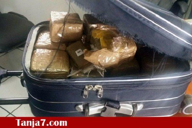 إحباط عملية تهريب 25 كيلوغرام من الحشيش في حقيبة عبر ميناء طنجة