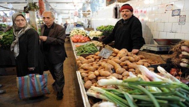 الجزائريون متخفون من