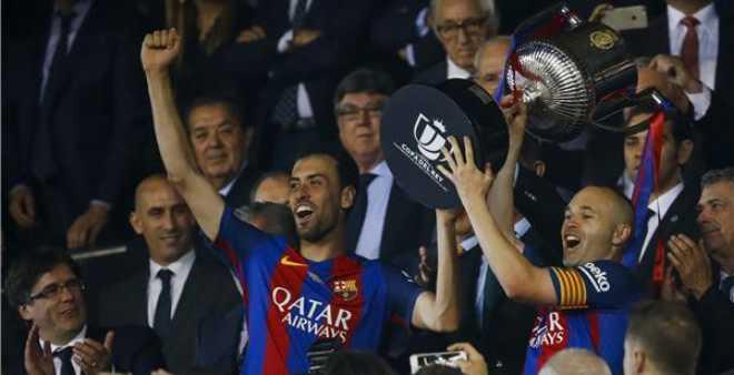 برشلونة ينهي مغامرة ألافيس ويتوج بكأس ملك إسبانيا