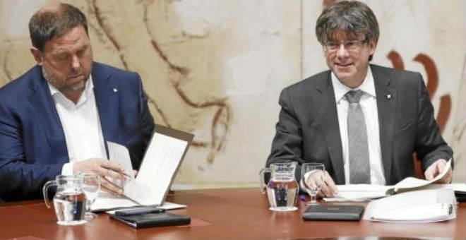 رئيس إقليم كاتالونيا يسأل