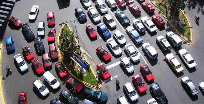 هام للسائقين.. إطلاق خدمة الإشعار بالمخالفات عبر الرسائل النصية