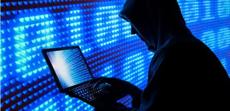 الشرطة تعتقل 20 هاكرز هاجموا أزيد من مليون هاتف ذكي