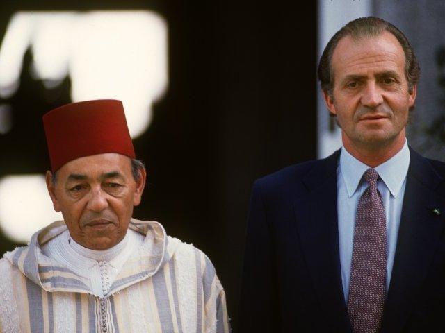 الملك خوان كارلوس كان سيسلم مليلية للمغرب ويدول سبتة في 1979