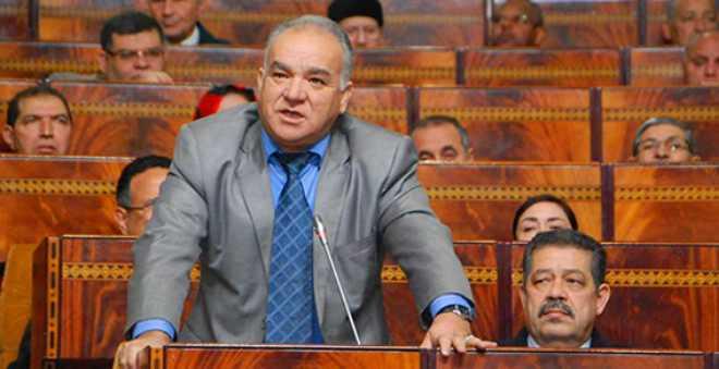 فريق الاستقلال بمجلس النواب يدعو إلى تجريم الإشهارات الكاذبة