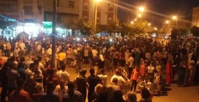 وفاة طفل في عين تاوجطات بسبب الإهمال الطبي تخرج ساكنة المدينة للاحتجاج