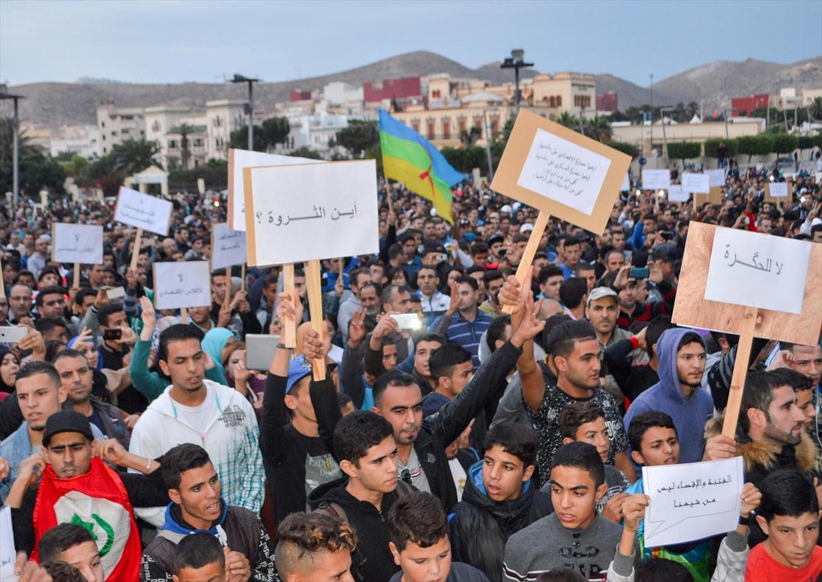 مطالب من المحمدية بالإفراج عن معتقلي الحسيمة وسط تطويق أمني