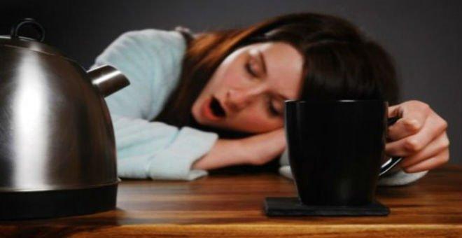 حلول سريعة لعلاج الشعور بالتخمة والكسل بعد الإفطار