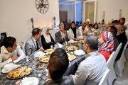 ملك بلجيكا يشارك أسرة مغربية مأدبة إفطار رمضاني