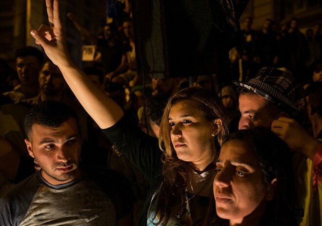 فتح تحقيق حول حوامل مغربيات يلجن مليلية المحتلة من أجل الولادة