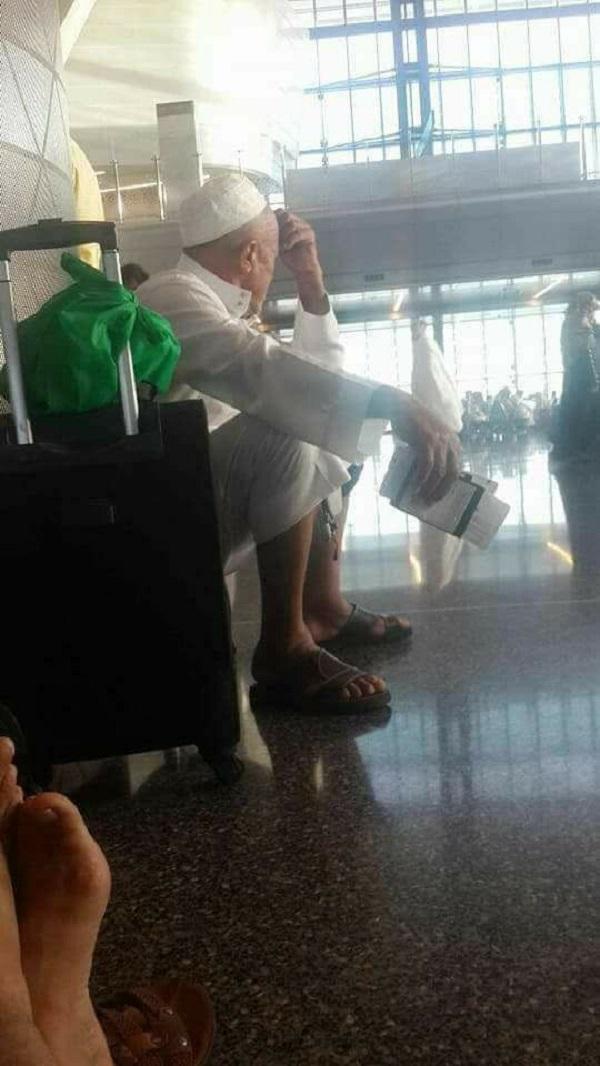 معتمرون مغاربة عالقون بمطار الدوحة بقطر