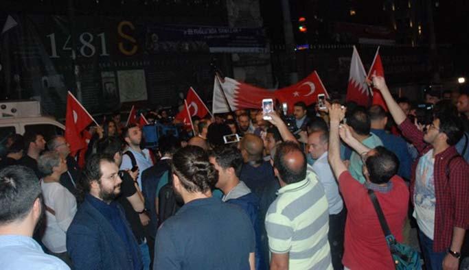 قطر تتلقى الدعم في عز أزمتها من شوارع تركيا