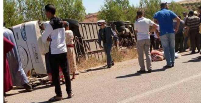 مصرع 12 شخصا وإصابة 39 آخرين في حادث انقلاب حافلة بخنيفرة